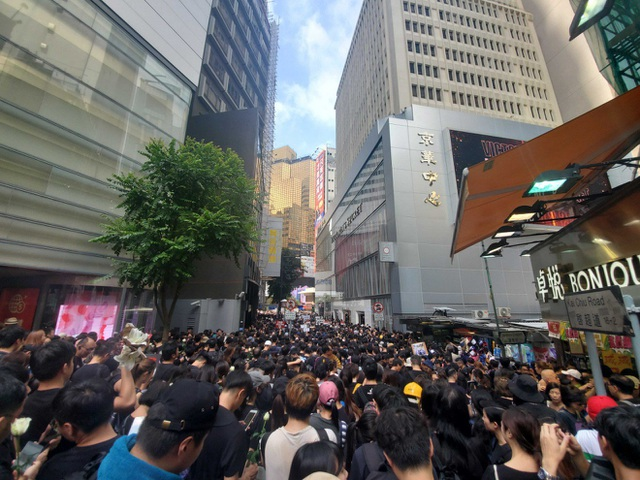 """""""Biển người"""" áo đen Hong Kong biểu tình dù dự luật dẫn độ đã bị hoãn - 4"""