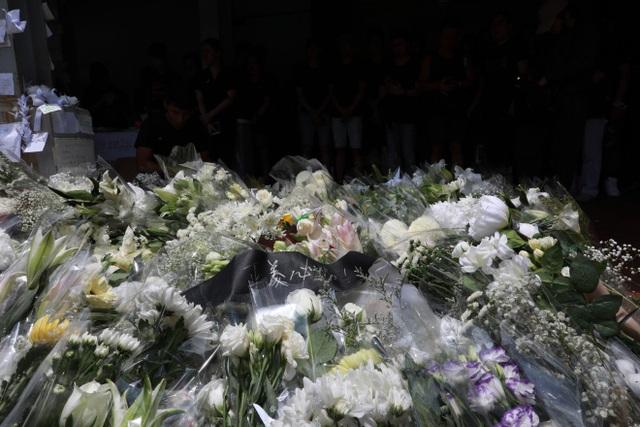 """""""Biển người"""" áo đen Hong Kong biểu tình dù dự luật dẫn độ đã bị hoãn - 8"""