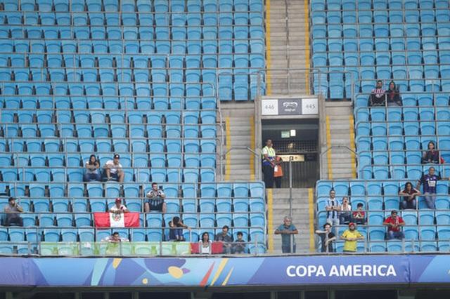 Peru hòa Venezuela giúp Brazil độc chiếm ngôi đầu bảng - 4