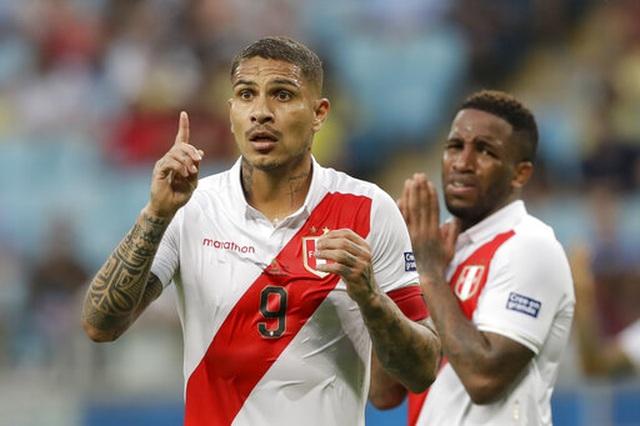 Peru hòa Venezuela giúp Brazil độc chiếm ngôi đầu bảng - 1