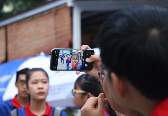 Giới trẻ Sài Gòn hào hứng ngày bắt đầu Tiếp sức mùa thi - 7