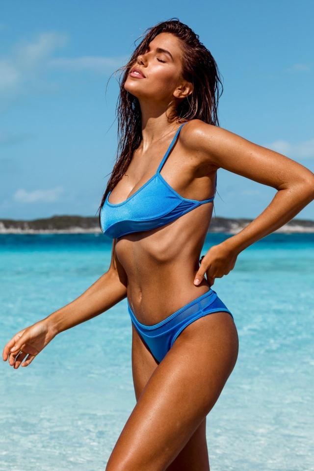 Kara Del Toro đẹp bốc lửa với bikini chào hè - 5