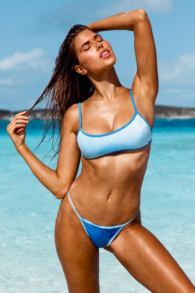 Kara Del Toro đẹp bốc lửa với bikini chào hè - 3