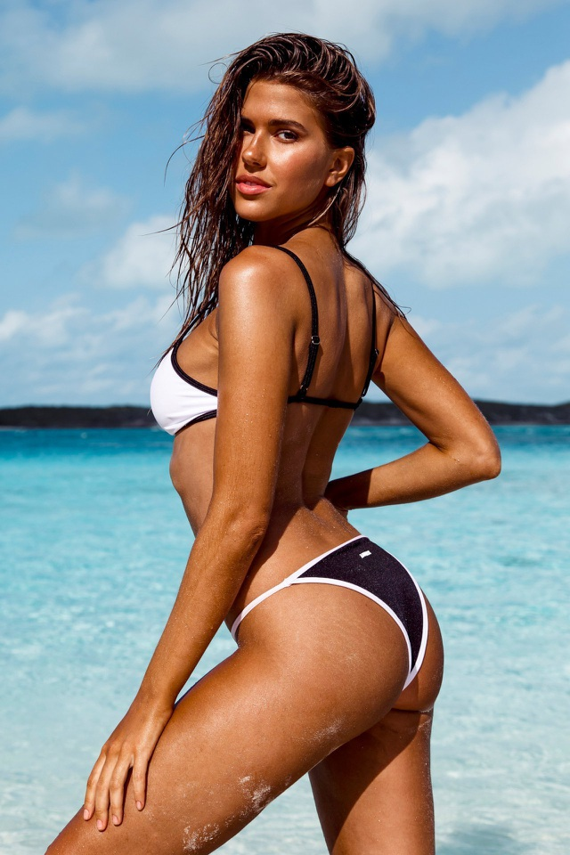 Kara Del Toro đẹp bốc lửa với bikini chào hè - 2