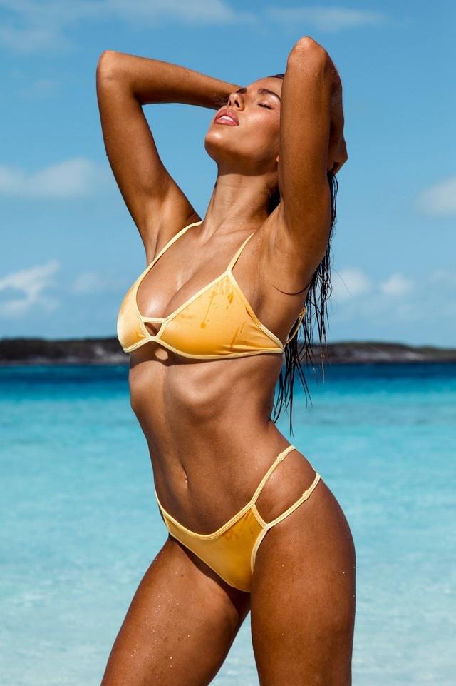 Kara Del Toro đẹp bốc lửa với bikini chào hè - 8