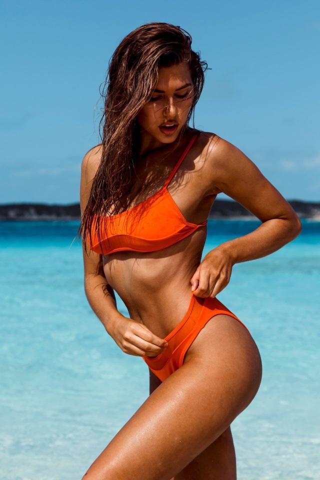 Kara Del Toro đẹp bốc lửa với bikini chào hè - 7