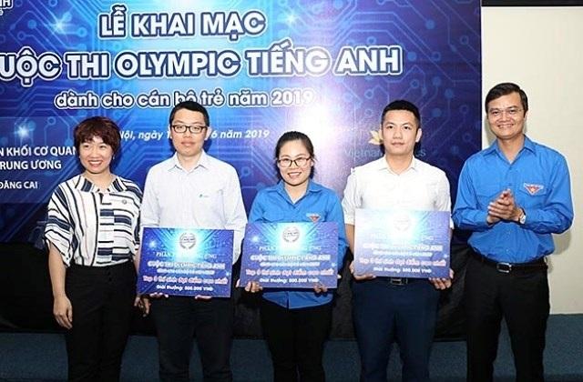 Cán bộ trẻ cả nước hào hứng tham gia cuộc thi Olympic Tiếng Anh lần đầu tổ chức - 2