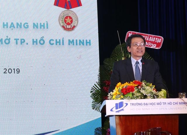 Trường ĐH Mở TP.HCM nhận Huân chương Lao động hạng Nhì - 1