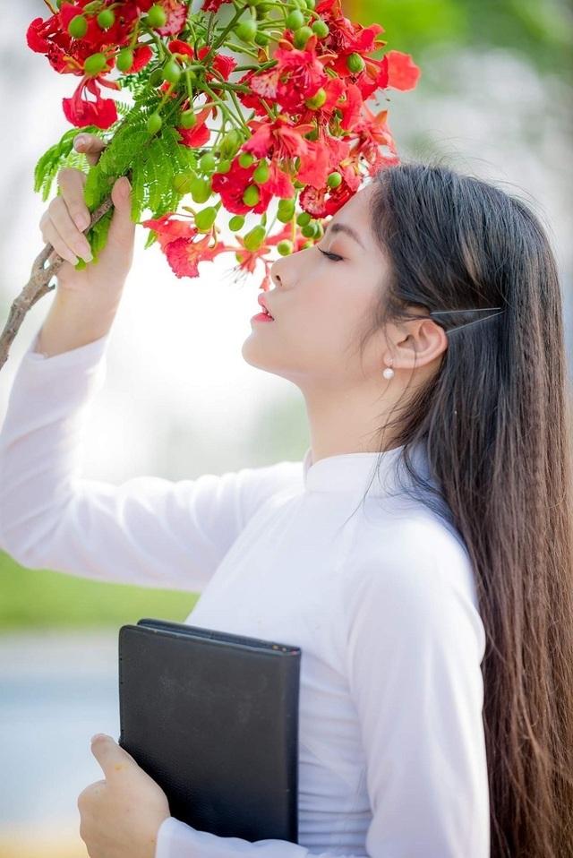 Cô gái có mái tóc dài hơn 1m nhớ về thời học trò ngập hoa phượng vĩ - 4