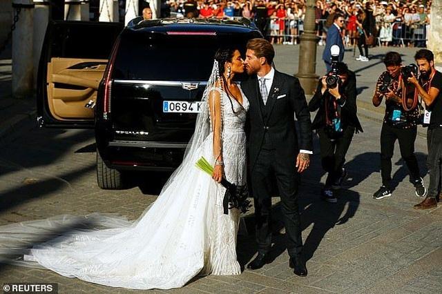 MC truyền hình 41 tuổi kết hôn với danh thủ Sergio Ramos - 13