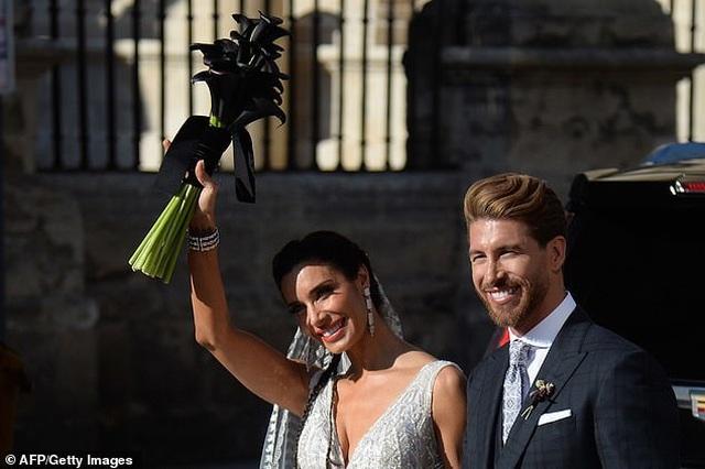 MC truyền hình 41 tuổi kết hôn với danh thủ Sergio Ramos - 20