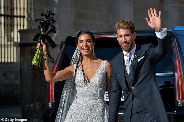 MC truyền hình 41 tuổi kết hôn với danh thủ Sergio Ramos - 11