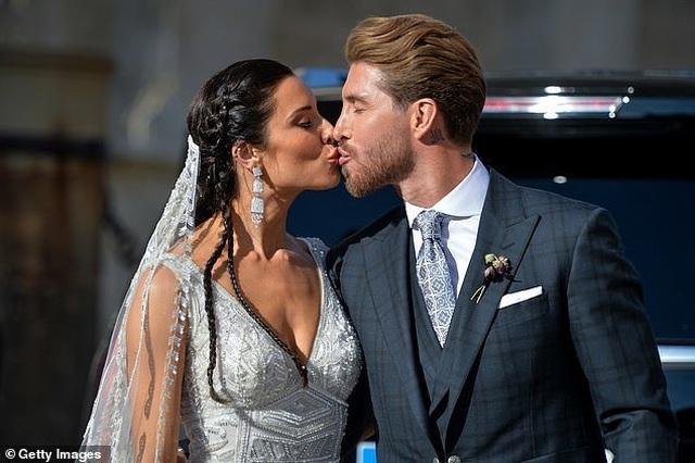 MC truyền hình 41 tuổi kết hôn với danh thủ Sergio Ramos - 17