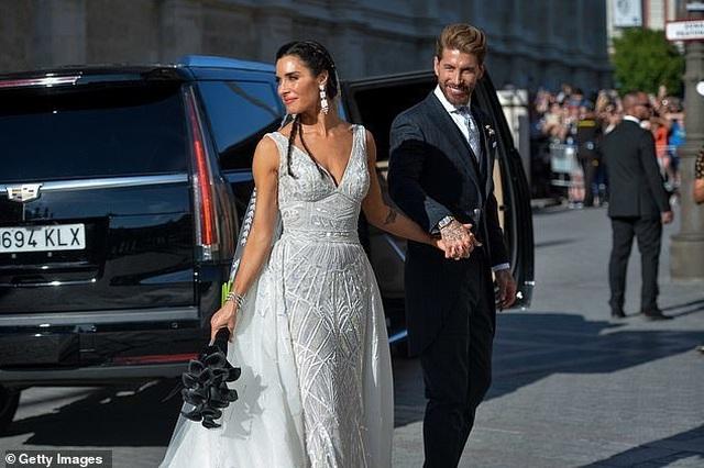 MC truyền hình 41 tuổi kết hôn với danh thủ Sergio Ramos - 19