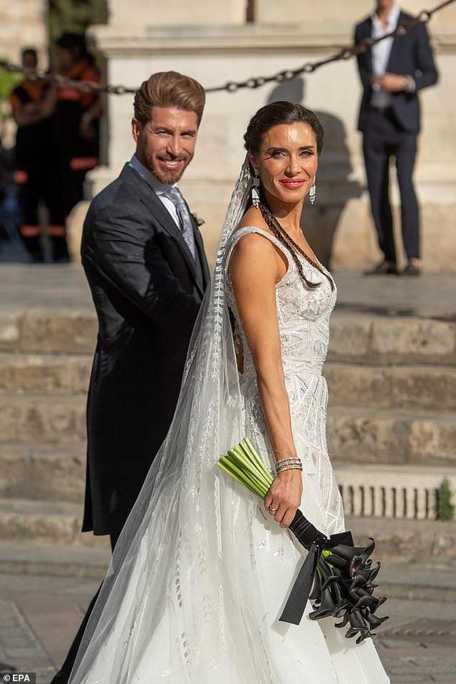MC truyền hình 41 tuổi kết hôn với danh thủ Sergio Ramos - 7