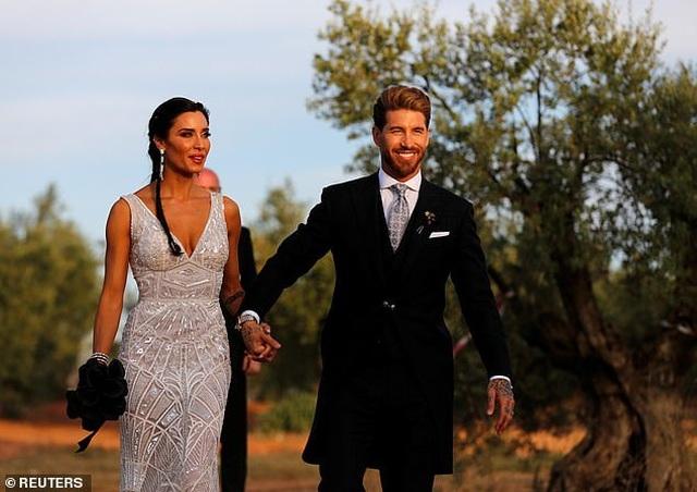 MC truyền hình 41 tuổi kết hôn với danh thủ Sergio Ramos - 14