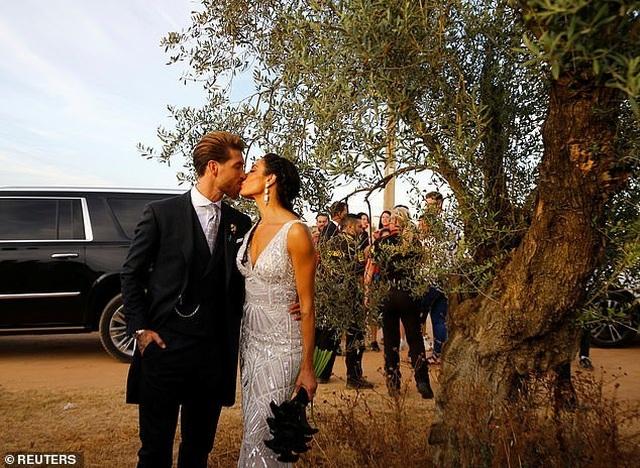 MC truyền hình 41 tuổi kết hôn với danh thủ Sergio Ramos - 6