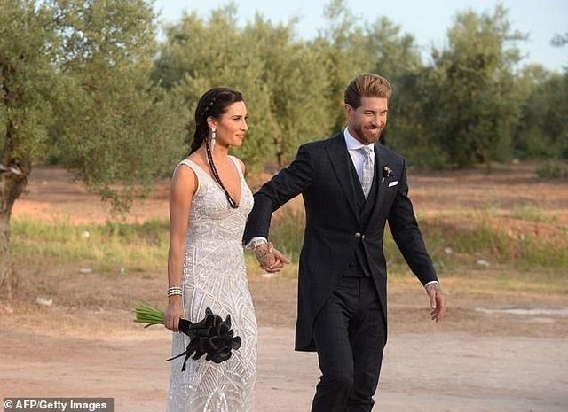 MC truyền hình 41 tuổi kết hôn với danh thủ Sergio Ramos - 18