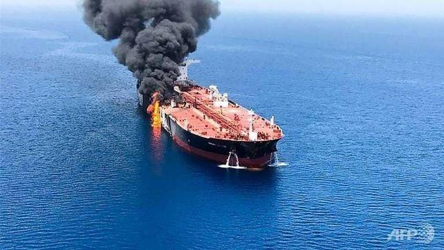 Iran nổi giận vì bình luận của Anh về vụ tấn công tàu chở dầu, triệu tập đại sứ - 1
