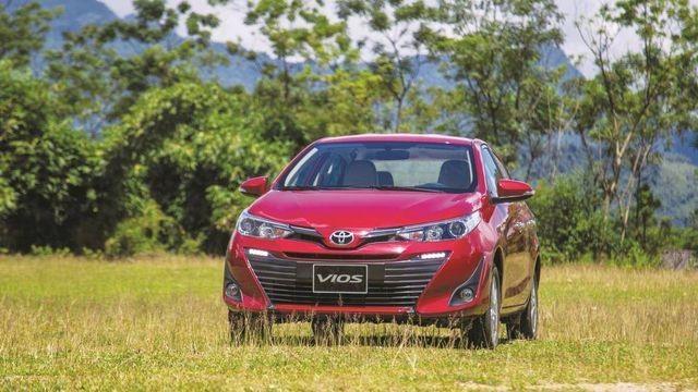 Doanh số xe trong nước suy thoái, ông lớn Toyota Việt Nam ôm hận - 4
