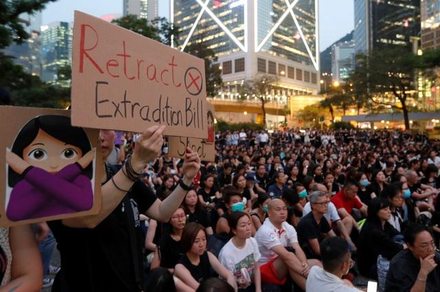 Lời xin lỗi nhằm xoa dịu căng thẳng của lãnh đạo Hong Kong - 2