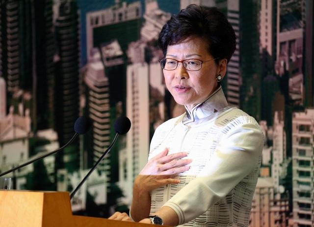 Lời xin lỗi nhằm xoa dịu căng thẳng của lãnh đạo Hong Kong - 1