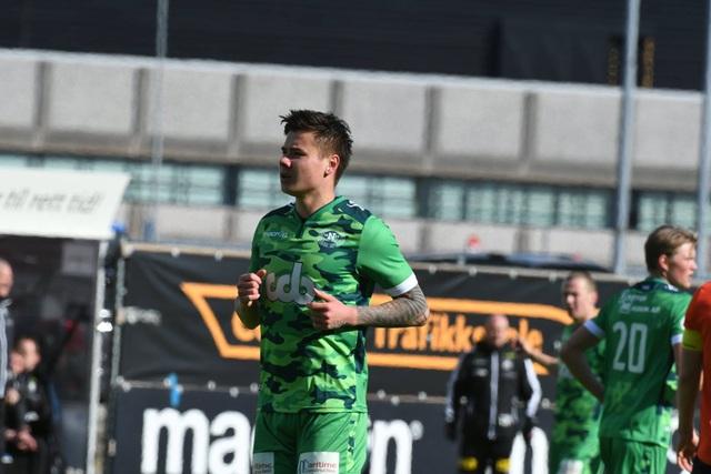 Tiền đạo Alexander Đặng gây ấn tượng trước vòng loại World Cup 2022 - 1