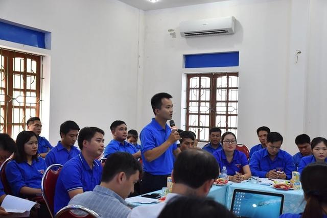 Hà Tĩnh: Hơn 1.400 tình nguyện viên hỗ trợ thí sinh trong kỳ thi - 1