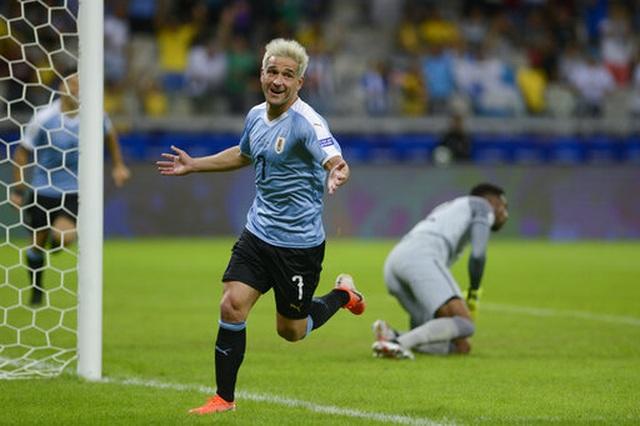 Suarez, Cavani lập công, Uruguay đại thắng 4-0 Ecuador - 5