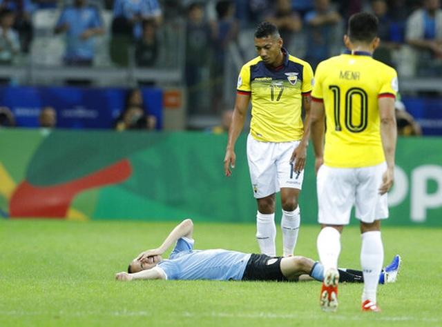 Suarez, Cavani lập công, Uruguay đại thắng 4-0 Ecuador - 3