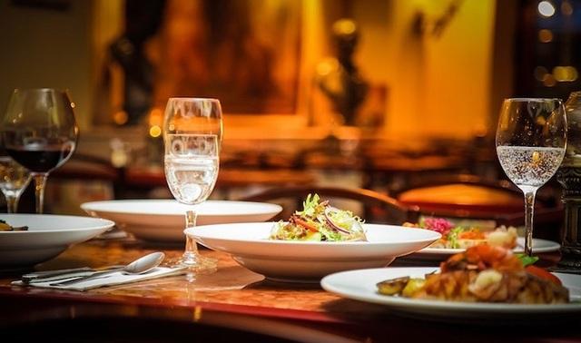 Điểm danh 10 nhà hàng sang chảnh tầm nhìn đẹp nhất Hạ Long - 5