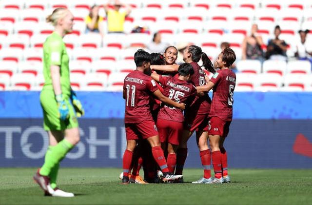 Lần thứ 2 thua tan nát, nữ Thái Lan 99% bị loại khỏi World Cup - 2