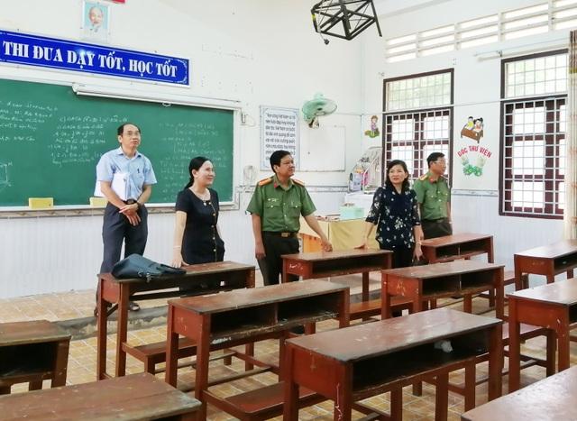 Chủ tịch Cà Mau lưu ý chọn người có năng lực, tinh thần trách nhiệm cao tham gia công tác thi - 1