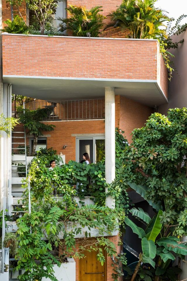 Ngôi nhà xiêu vẹo kỳ lạ tại Việt Nam nổi tiếng khắp báo nước ngoài - 8