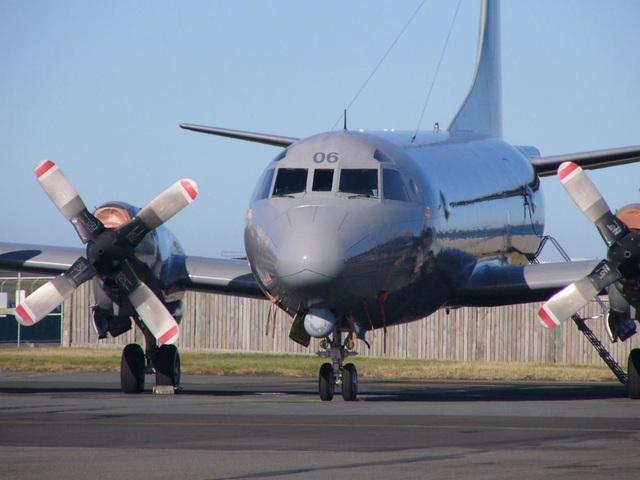 Philippines tính mua máy bay tuần tra của Mỹ giữa lúc căng thẳng trên Biển Đông - 1