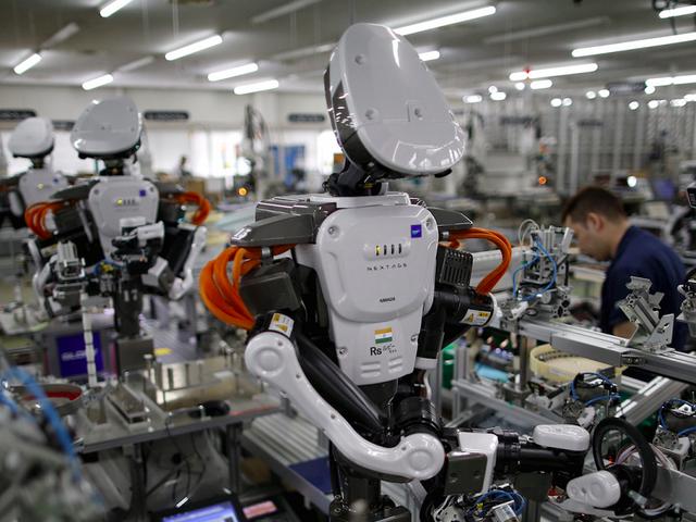 Tương lai, robot sẽ thay thế hoàn toàn người lao động? - 1
