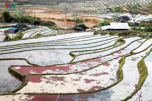 Mùa nước đổ Lai Châu làm xiêu lòng du khách - 7