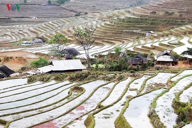 Mùa nước đổ Lai Châu làm xiêu lòng du khách - 8
