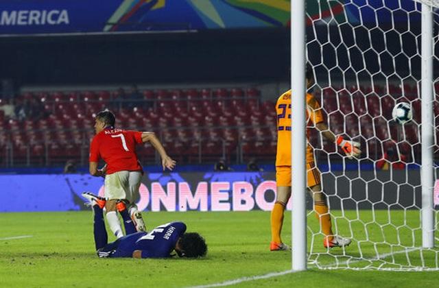 Nhật Bản thua tan nát trước nhà vô địch Chile - 2