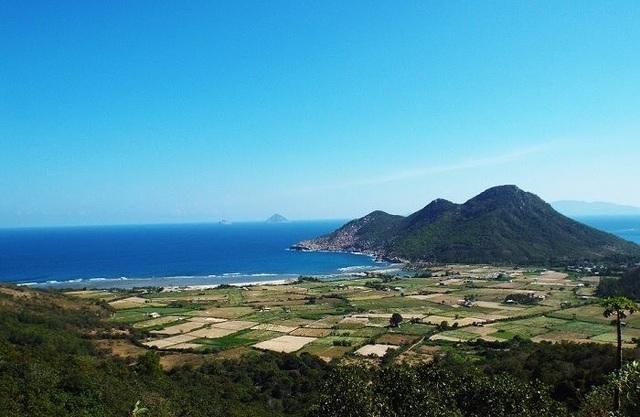 Chính thức gỡ lệnh cấm giao dịch đất ở Bắc Vân Phong - 1