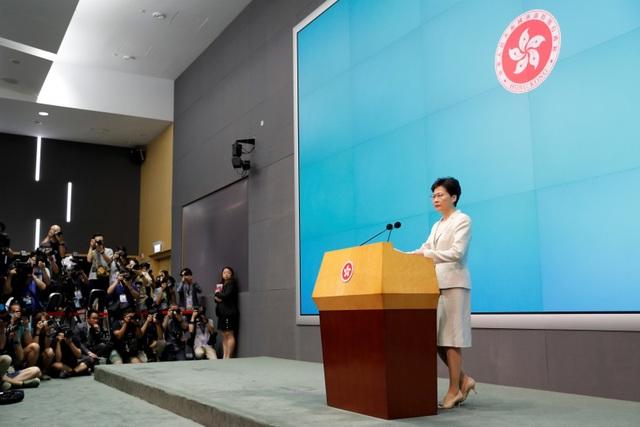 """Lãnh đạo Hong Kong """"xin lỗi chân thành"""" vì dự luật dẫn độ - 1"""