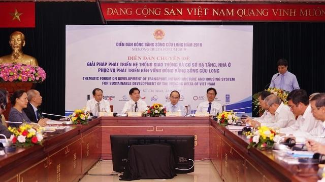 Bộ trưởng GTVT: Đầu tư hạ tầng là điểm nghẽn của 2 vùng kinh tế trọng điểm - 1