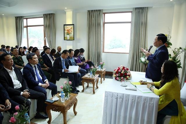 Phó Thủ tướng Vương Đình Huệ gặp gỡ cộng đồng người Việt tại Myanmar - 1