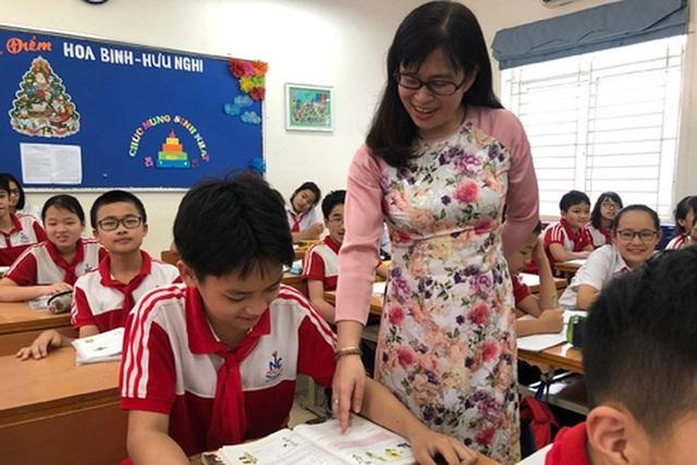 Tấm lòng nhân hậu của một cô giáo với học sinh và cộng đồng - 1