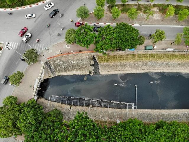 Xem màn trình diễn biến bùn thành CO2 và nước trên sông Tô Lịch - 1