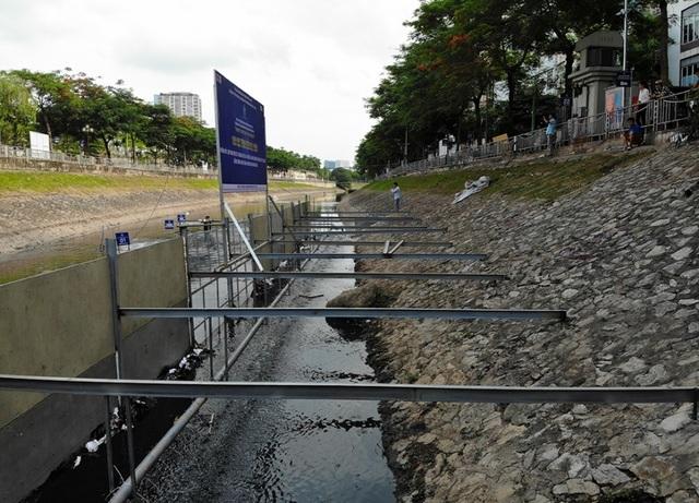 Xem màn trình diễn biến bùn thành CO2 và nước trên sông Tô Lịch - 6