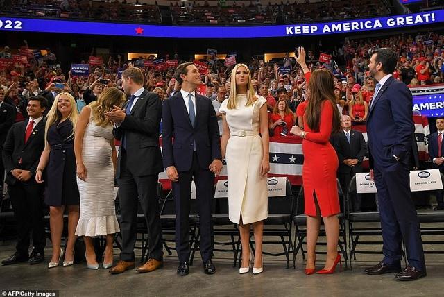 Ông Trump khởi động chiến dịch tái tranh cử, kêu gọi giữ nước Mỹ tiếp tục vĩ đại - 3