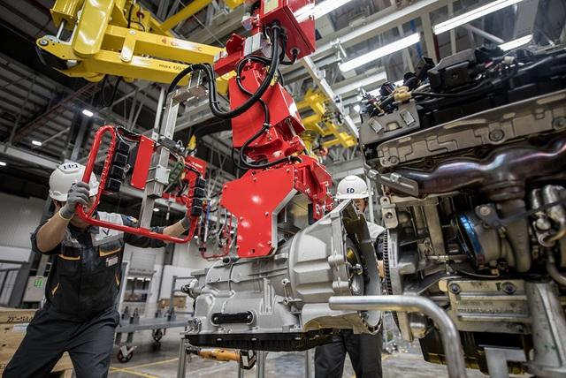 Bên trong nhà máy sản xuất 38 xe ô tô/giờ của VinFast - 9