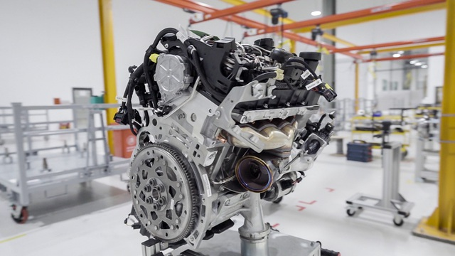 Bên trong nhà máy sản xuất 38 xe ô tô/giờ của VinFast - 3