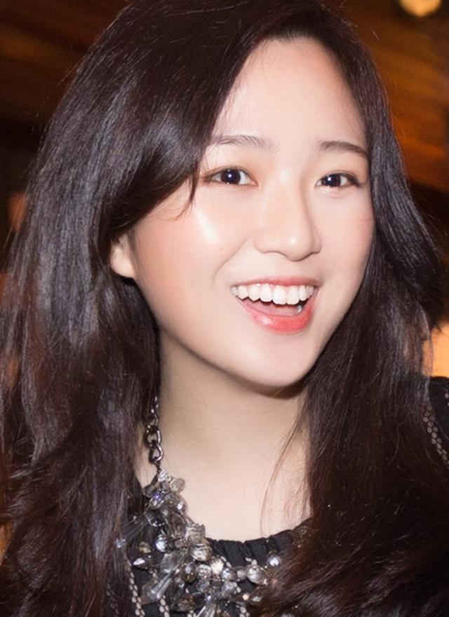 Những cô con gái tài năng, xinh đẹp, nói tiếng Anh như gió của sao Việt - 2